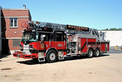 WOODSTOCK FIRE-RESCUE DISTRICT  TRUCK 81  2009  PIERCE ARROW XT   1500-500-105'   #22251