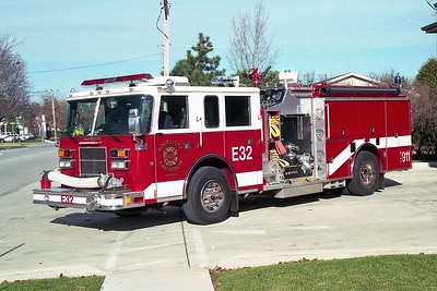 WOODSTOCK FIRE-RESCUE DISTRICT  ENGINE 32  1998  PIERCE SABER   1250-750    #EB-615