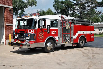 WOODSTOCK FIRE-RESCUE DISTRICT  ENGINE 34  1988  SPARTAN - FMC   1500-750   #7048
