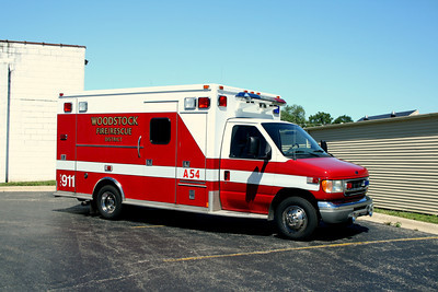 WOODSTOCK AMBULANCE 54