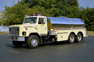 WOODSTOCK RURAL FPD  TANKER 471  1981  IHC - 4-GUYS   500-3500