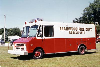 BRAIDWOOD VFD  SQUAD  1974  CHEVY C30  STEPVAN