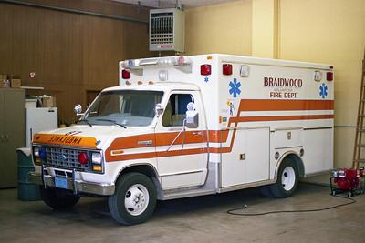 BRAIDWOOD FPD  AMBULANCE 87  1984  FORD E350 - MOBILE MED