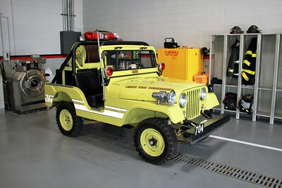 CRETE FD  BRUSH 704  1957  WILLYS JEEP 4X4 - FD BUILT   125-50   OFFICERS SIDE