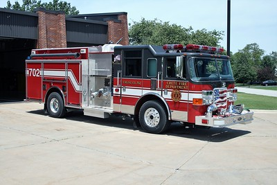 CRETE ENGINE 702 PIERCE  OFFICERS SIDE