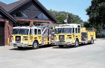 ELWOOD TOWER 619 AND ENGINE  612    2004 SUTPHENS