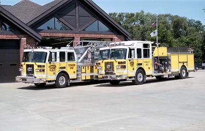 ELWOOD TOWER 619 AND ENGINE 612  SUTPHEN