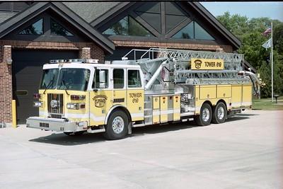 ELWOOD FPD  TANKER 617  2000  FREIGHTLINER FL-112 - US TANKER   1500-2500-1000F   #5039 (2)