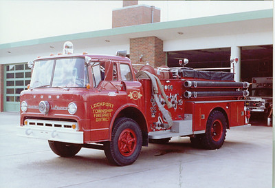 LOCKPORT FPD ENGINE 10 FORD / AMERICAN LAFRANCE