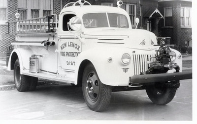 NEW LENOX FPD  1945 FORD-DARLEY 300-350
