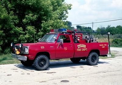 STEGER  BRUSH 123  1973 DODGE W200 4X4   300-170