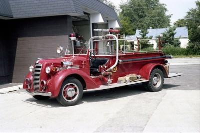 STEGER  ANTIQUE  1937 DIAMOND T - CENTRAL ST LOUIS  500-