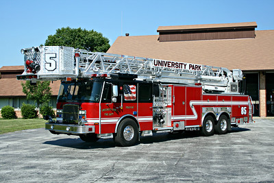 UNIVERSITY PARK FD  TRUCK 85  E-ONE CYCLONE II   95' TL