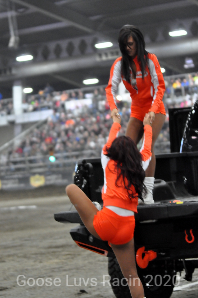 ! ACTION IN THE PITS BY HOOTERS !