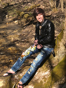 CHRIS BRAMBLE LEANING ON TREE ENGLEWOOD METRO PARK