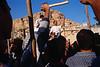 Défilé dans une rue de Maaloula à l'occasion de la fête de l'Exaltation de la croix. Syrie