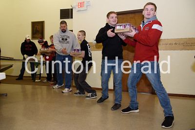 CHS Wrestlers help Holiday Network 12-12-16