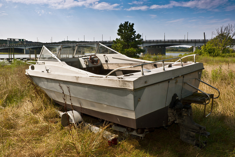 BEACHED BOAT<br /> IMAGE 6907