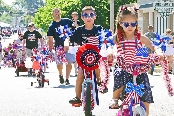 JULY 4th PARADE, LEBANON TOWNSHIP