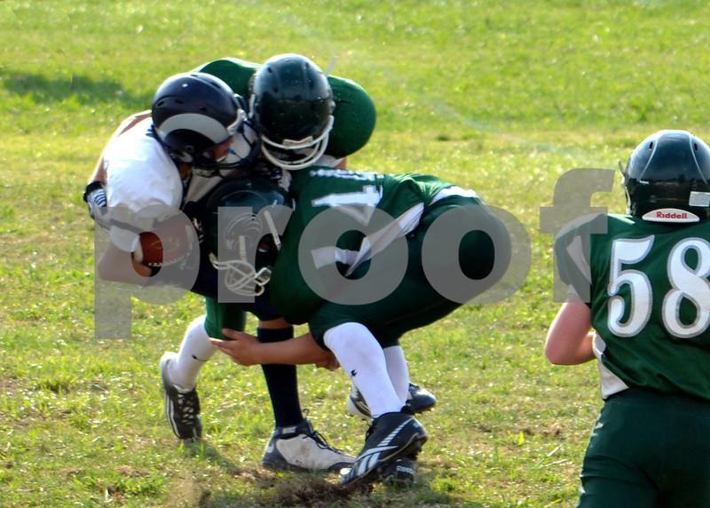 Trentman #44, Baggett #4 tackle