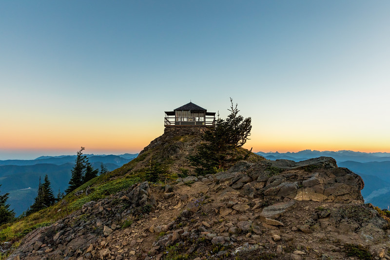 Sunrise at Kelly Butte Lookout