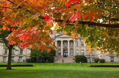 campus_fall_old cap_stu_2015_9755