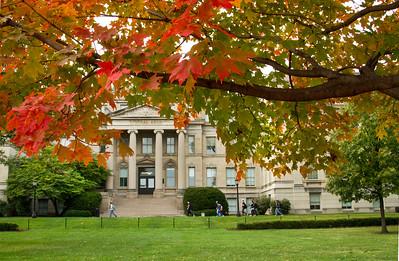 campus_fall_old cap_stu_2015_9850