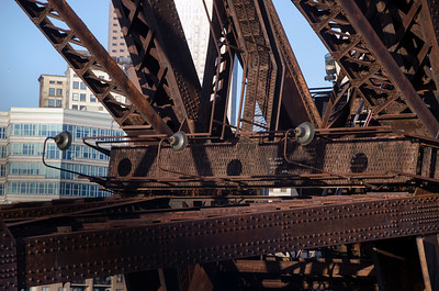 LIFT BRIDGE CLOSE UP