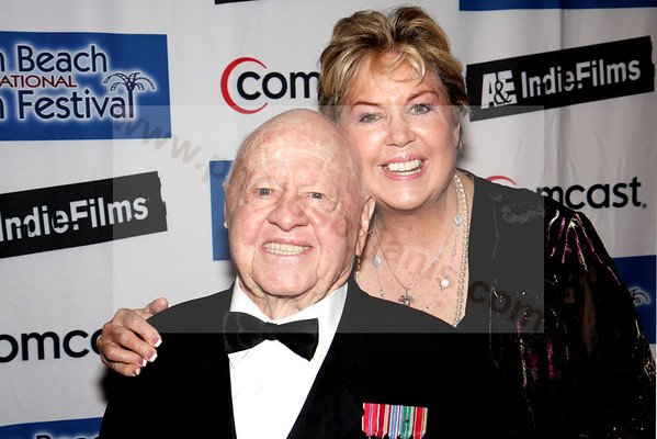 01 Mickey Rooney and Jan Rooney