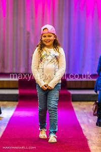 maxy-maxwell-event-photographer-DAW-fashion-show-ocean-exmouth_02