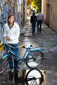 AMY ALLEY BIKE 12x18