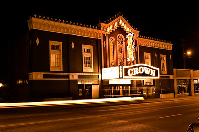 CROWN UPTOWN DINNER THEATER
