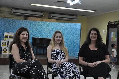 Alex Eisman, Jewish New york artist (center) talks to the audience with her mother, Valerie Feigen (left) and translator, Cynthia Carris Alonso at the opening of the art show at El Patronato Synagogue in Havana, Cuba, March 23, 2013.  PHOTO BY: Cynthia Carris Alonso http://www.photosolutionsnyc.com/