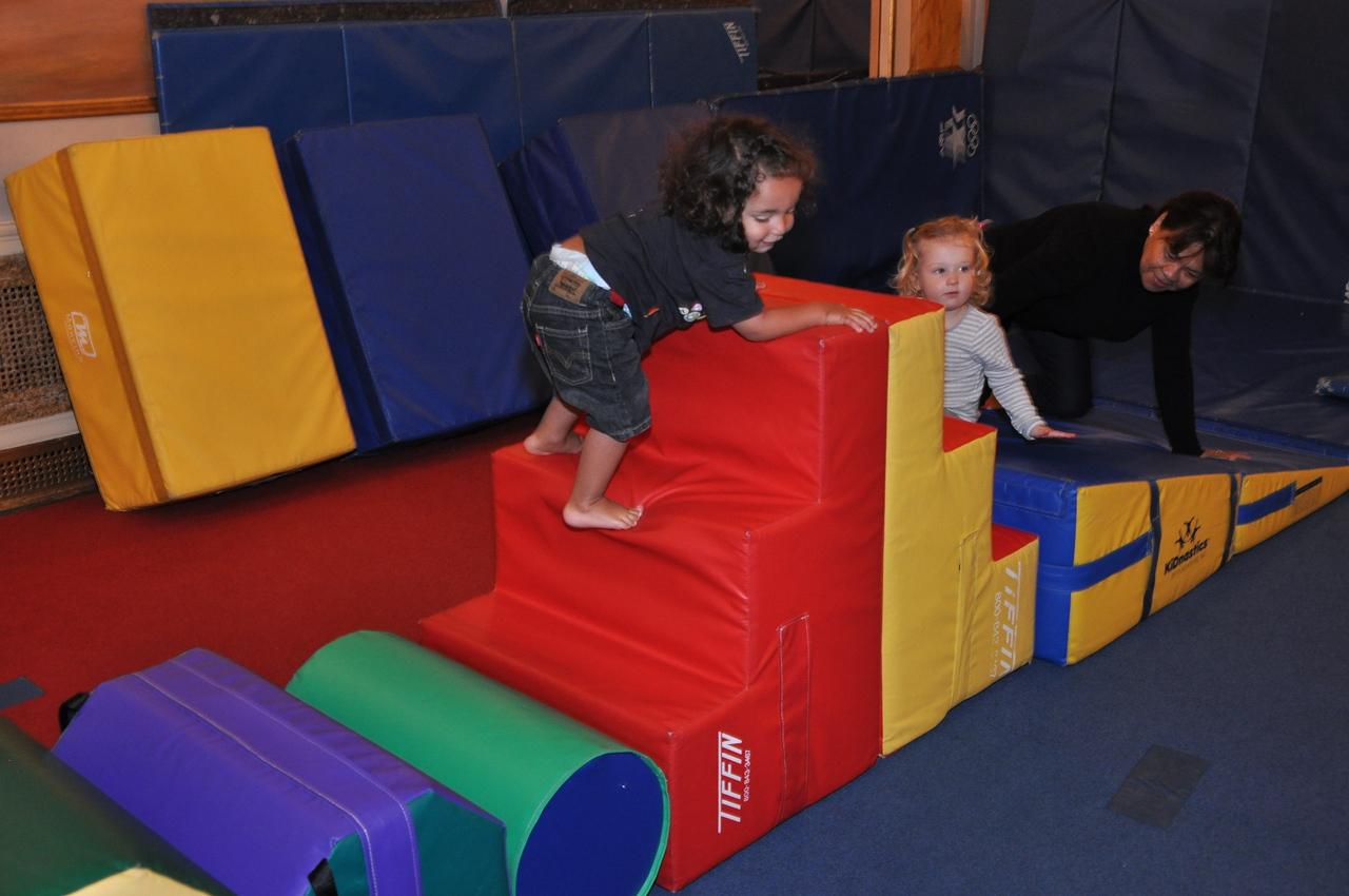 Elliott's Gymnastics class.   PHOTO CREDIT: Cynthia Carris  http://www.photosolutionsnyc.com/