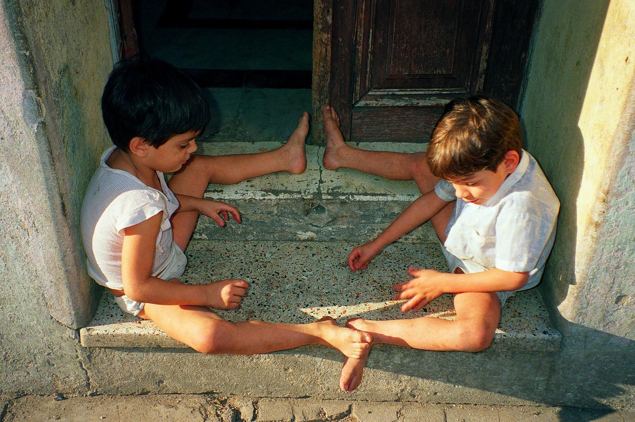 Kids  PHOTO BY: Cynthia Carris Alonso