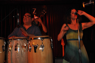 Sammy Figueroa and Glaucia Nasser in concert at the Zinc bar in New York, October 20, 2014.  Photo by Cynthia Carris Alonso