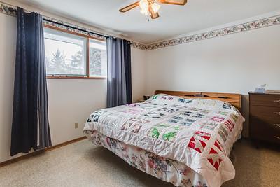 2464 Eastview-15