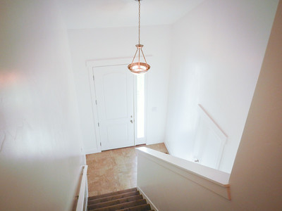 Stairs/Entryway