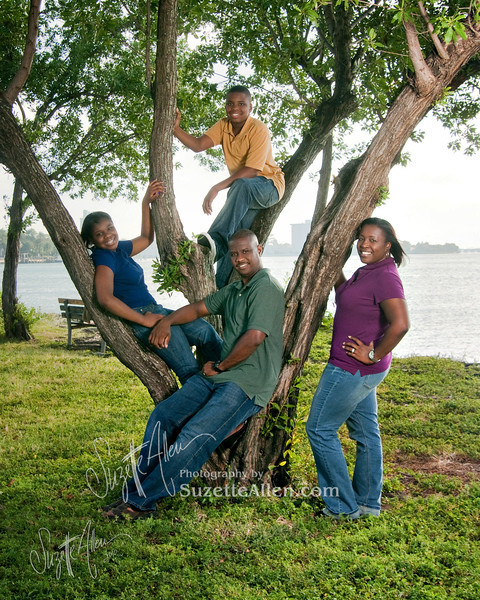 Tree photos are always a fun request and the jewel tones of the shirts make it even better!