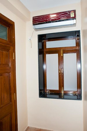 3rd BR window and split AC