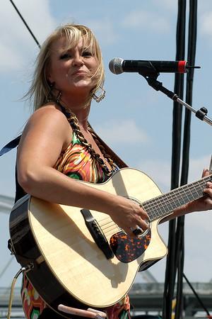 Carolyn Dawn Johnson (CMA07)