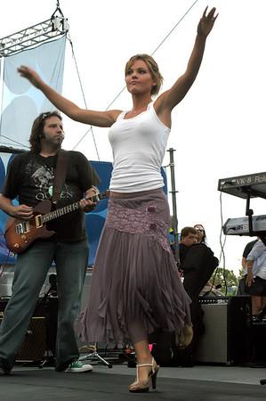 Katrina Elam (CMA07)