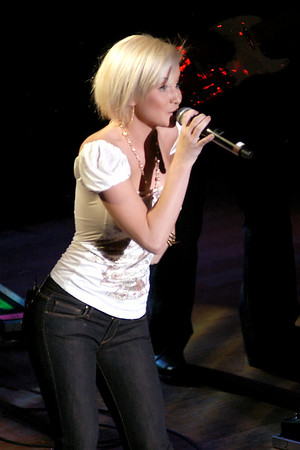 Kellie Pickler - Chely Wright RW&R (CMA07)