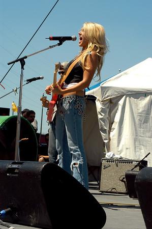 Whitney Duncan (CMA07)