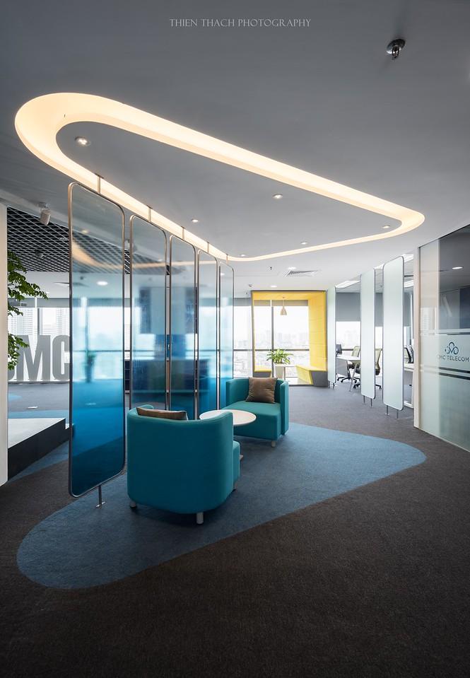 CMC Telecom Office  -  D+ Studio