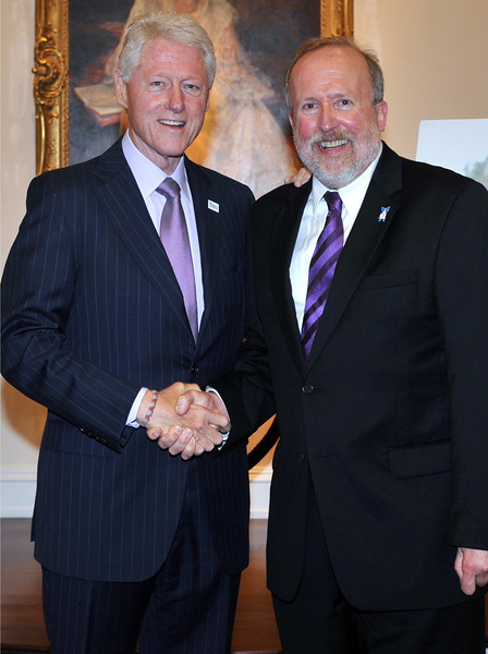 College of Music & Dramatic Arts Dean Laurence Kaptain with President Bill Clinton.