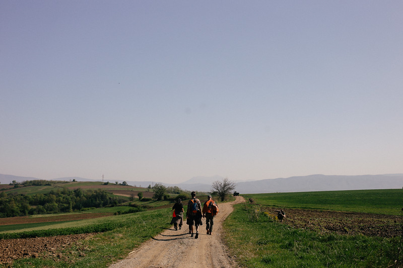 Anka, Jan and Antoine marching towards Zitkovac.