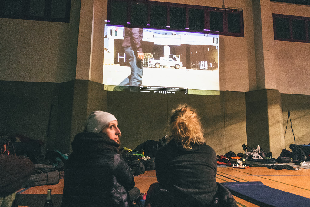 Jagoda and Olga (both Poland), who were involved in organisational work watch the documentaires about Syria and refugees.