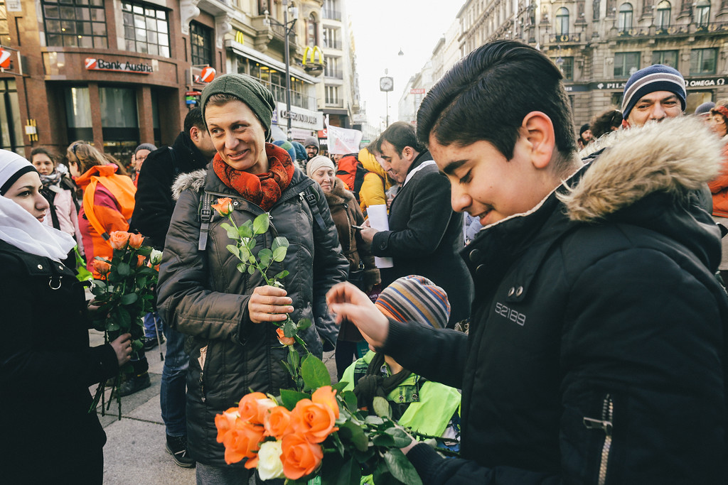 Syrian activists, journalists and members of Vienna Syrian community came to hand us flowers and take part in the main square CMFA circle.