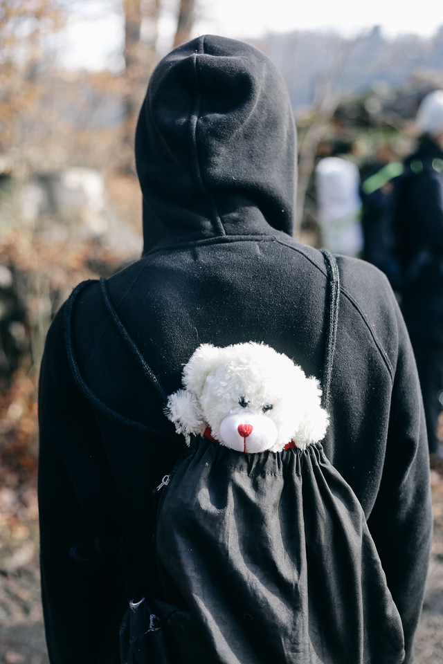 """Zuzia"" the toy bear, carried by Robin (Germany). The bear was a gift from Polish children and has been carried by many people until the end of the journey. Finally it was given to a Syrian girl, near the Syria-Lebanon border."